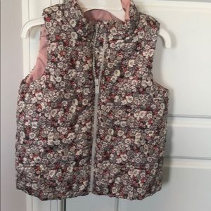 Gap floral grey and pink vest size 4t
